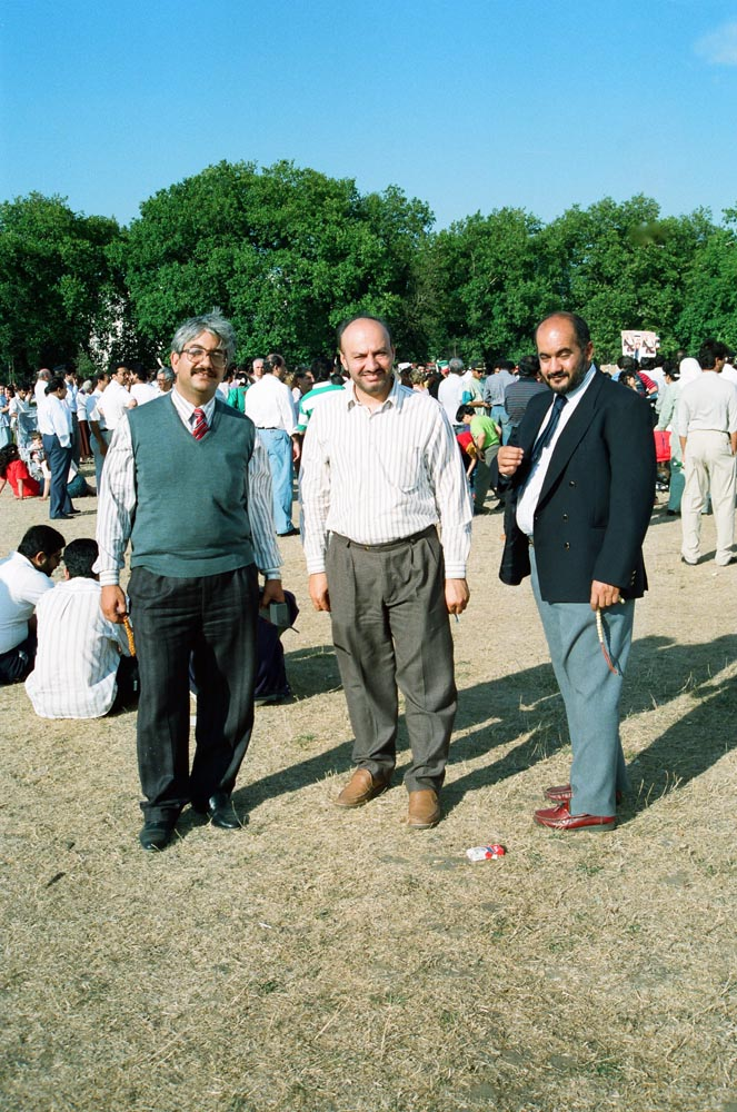 August 5, 1990  In Hyde Park, Kuwaitis discussing the invasion